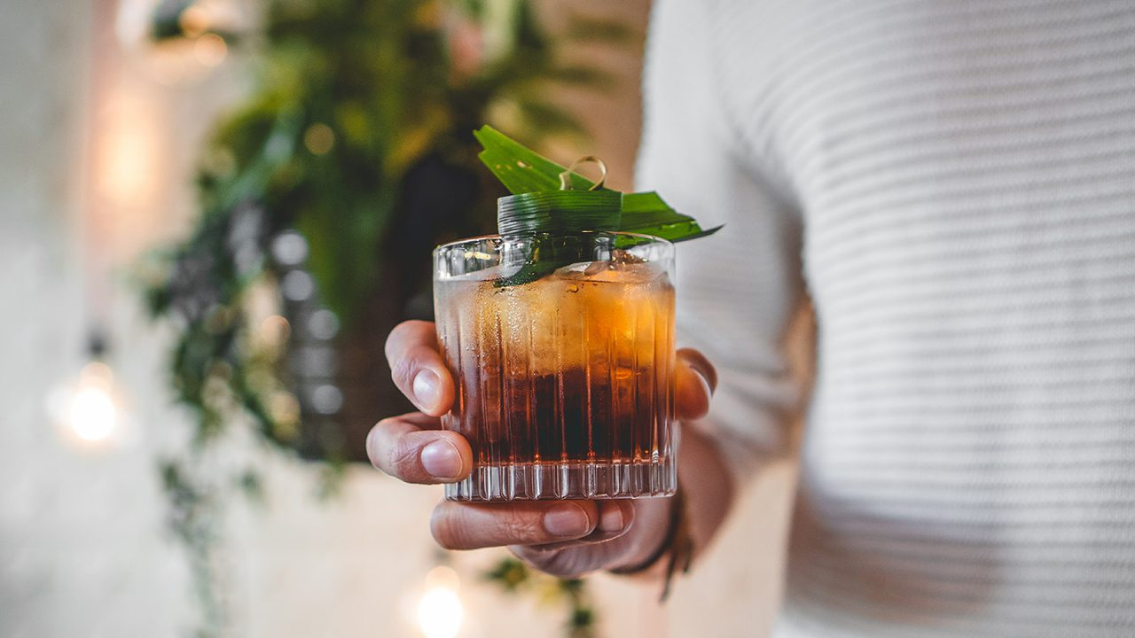 https://bandoeng22.com/wp-content/uploads/2019/11/cocktail_negroni-1280x720.jpg